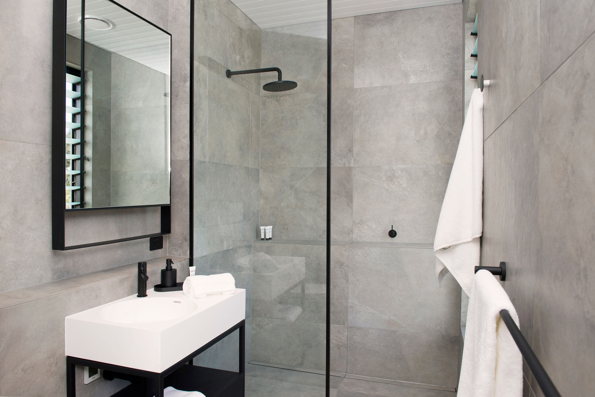 Architecturally designed bathroom The Cadole Avalon