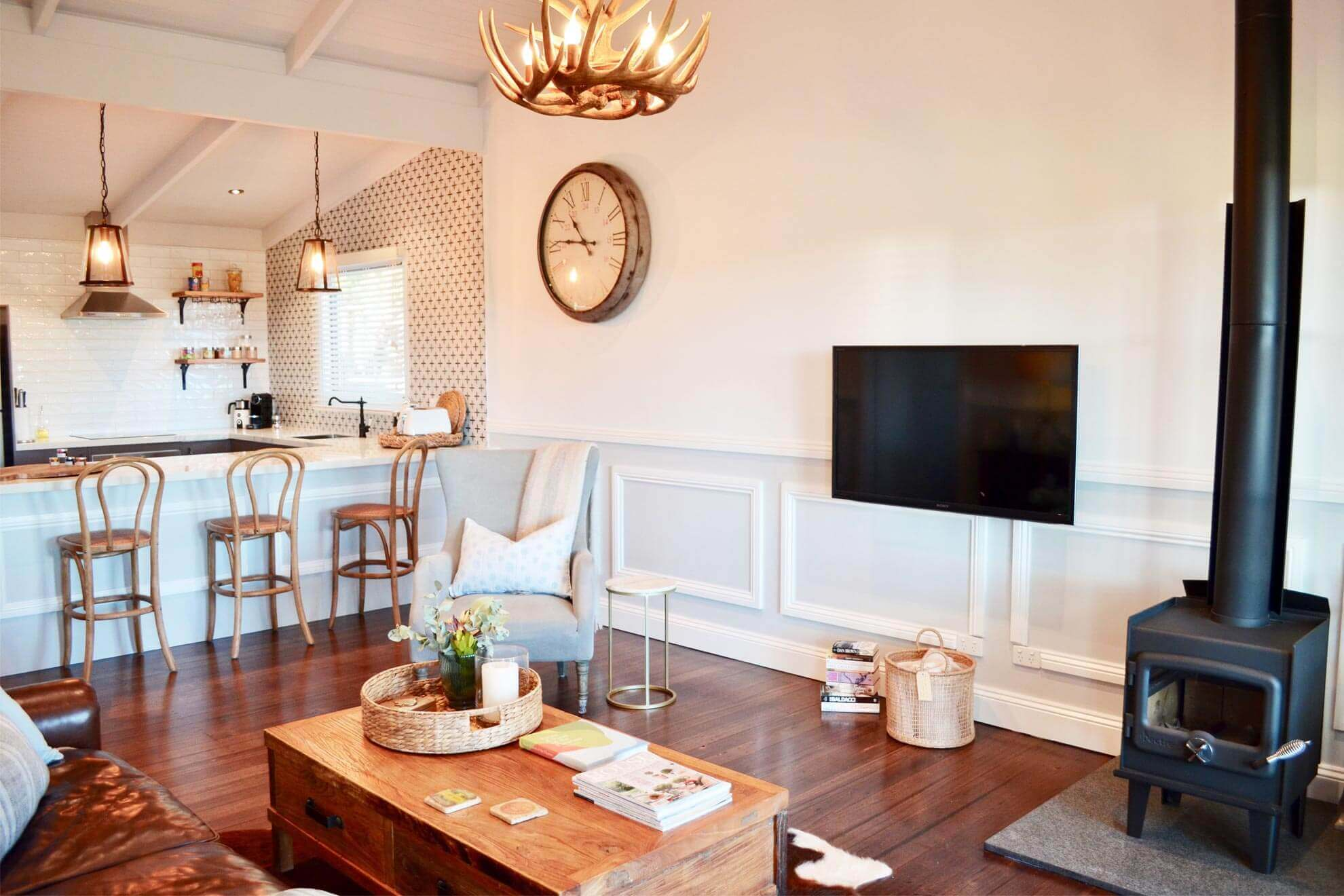 Lounge around Vineyard Retreat